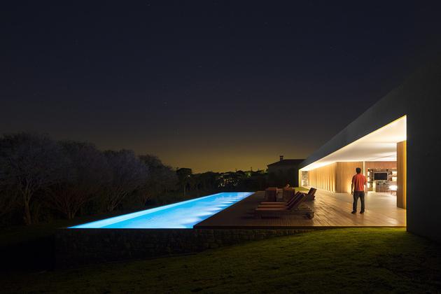 4-house-open-both-sides-cross-ventilation.jpg