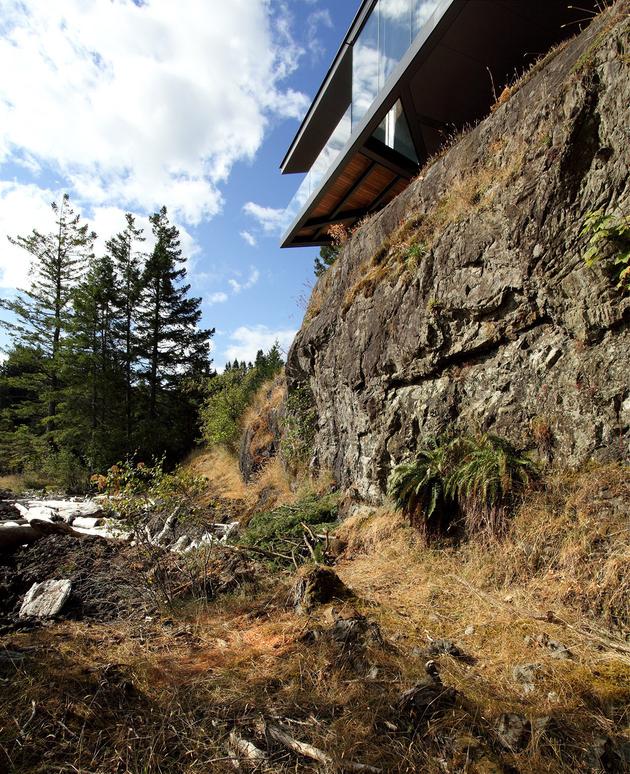 5-luxury-green-roofed-island-home-large-boulder.jpg