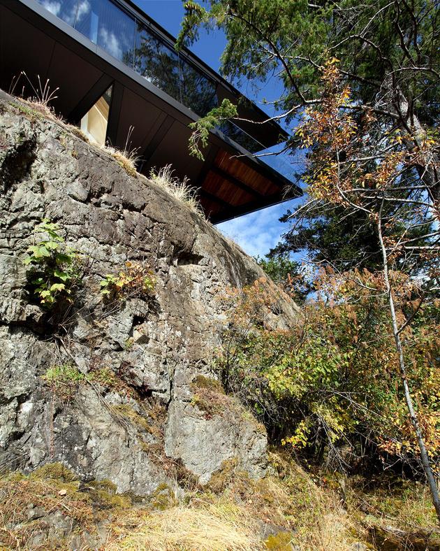6-luxury-green-roofed-island-home-large-boulder.jpg