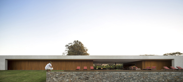 8-house-open-both-sides-cross-ventilation.jpg