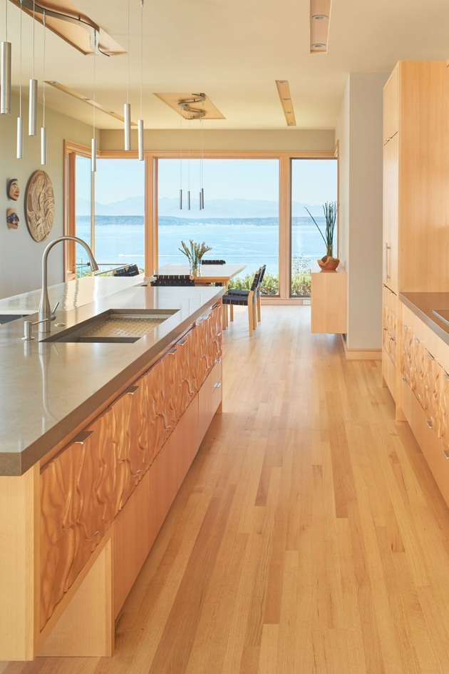 11-environmentally-conscious-waterfront-home-craftsmanship.jpg