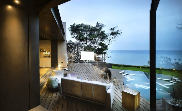 15-oceanfront-home-terraced-rocks-site.jpg