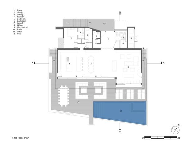 16-creative-oceanfront-home-flood-plane-restrictions.jpg