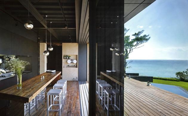 20-oceanfront-home-terraced-rocks-site.jpg