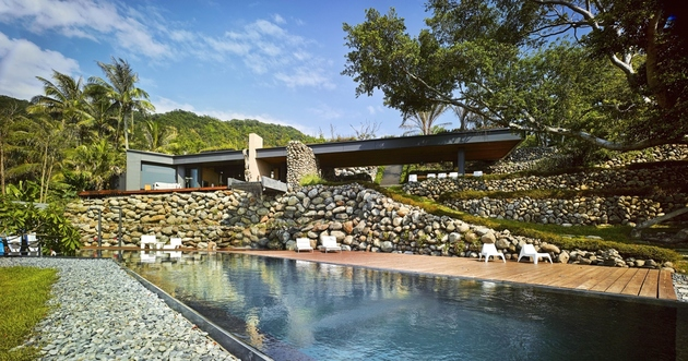 3-oceanfront-home-terraced-rocks-site.jpg