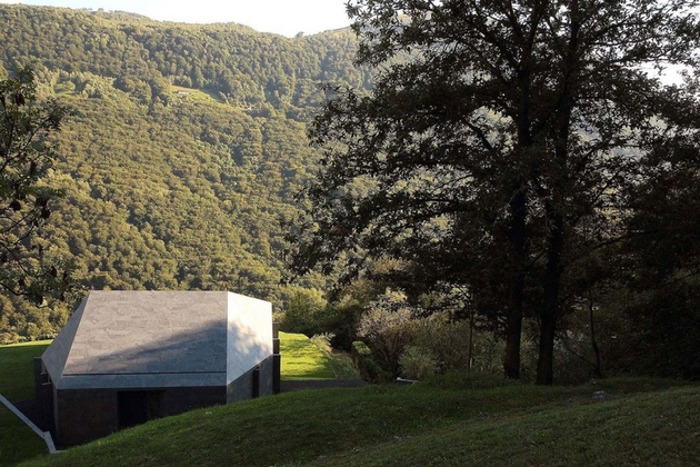 3-prefab-swiss-alps-house-designed-look-like-boulder.jpg