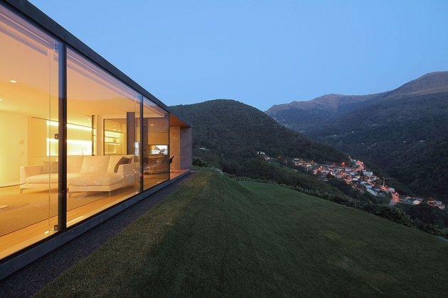 5-prefab-swiss-alps-house-designed-look-like-boulder.jpg