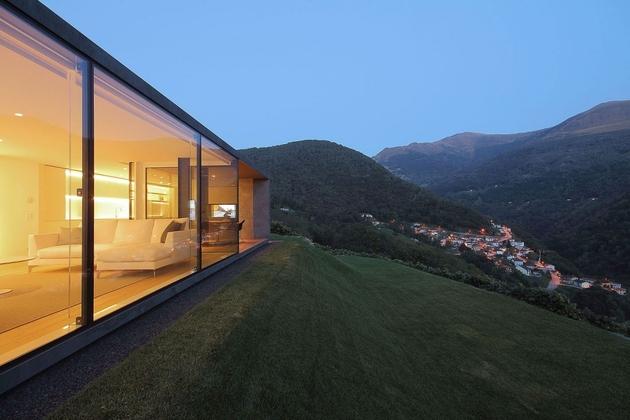5-prefab-swiss-alps-house-designed-look-like-boulder.jpg