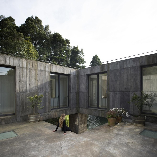 9-square-concrete-house-lower-level-pedestal.jpg