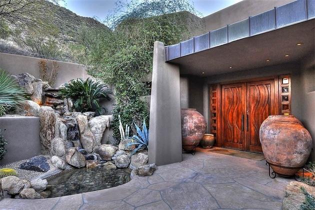 arizona-desert-house-with-fascinating-poolsa.jpg