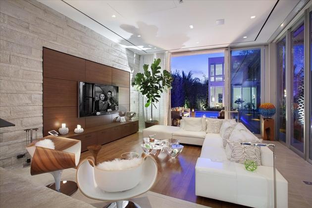 modern-luxury-home-on-ocean-drive-21.jpg