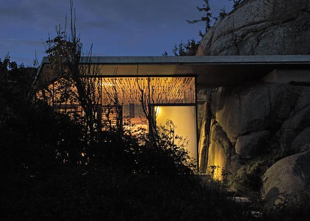 norway-house-in-rock-cabin-knapphullet-lund-hagem-13.jpg
