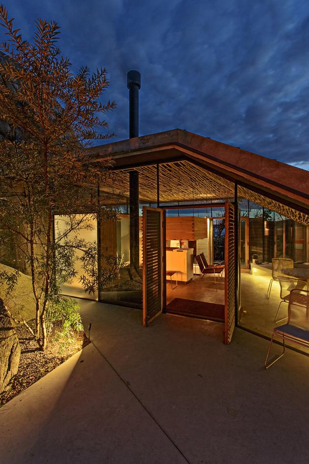 norway-house-in-rock-cabin-knapphullet-lund-hagem-5.jpg