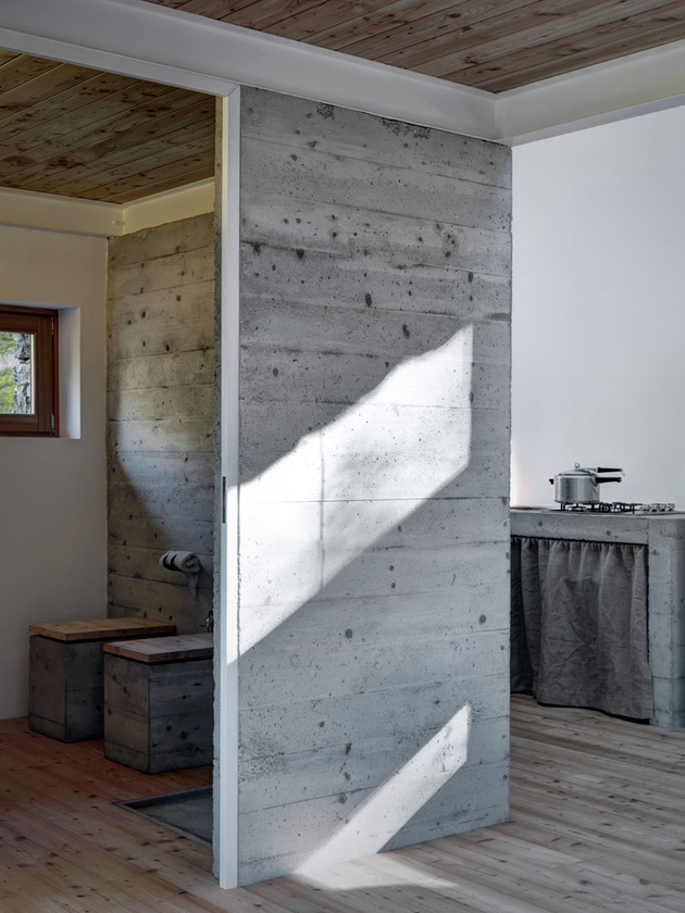 stone-cabin-in-northern-italy-alfredo-vanotti-11.jpg