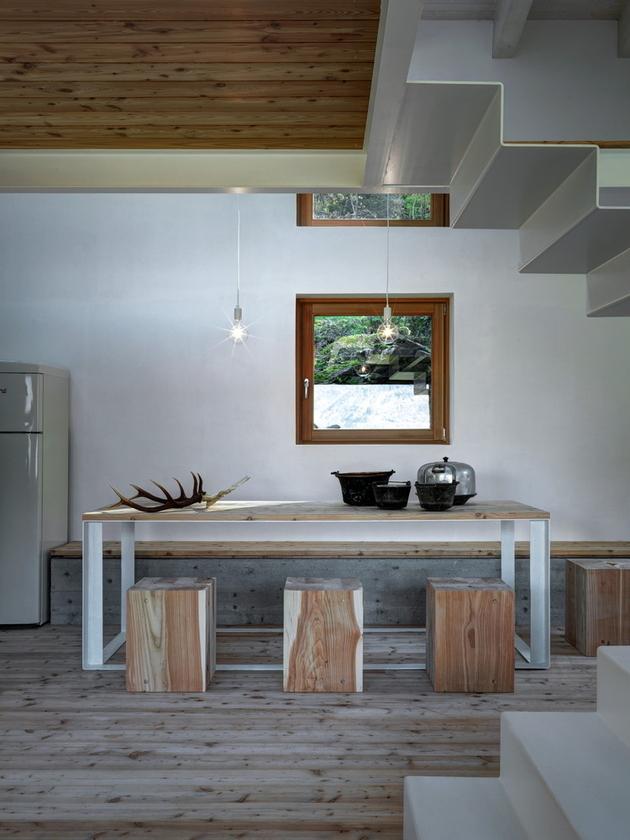 stone-cabin-in-northern-italy-alfredo-vanotti-12.jpg