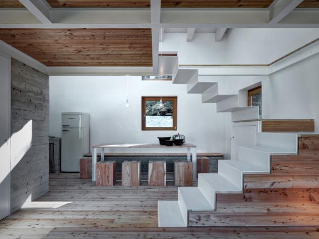 stone-cabin-in-northern-italy-alfredo-vanotti-22.jpg