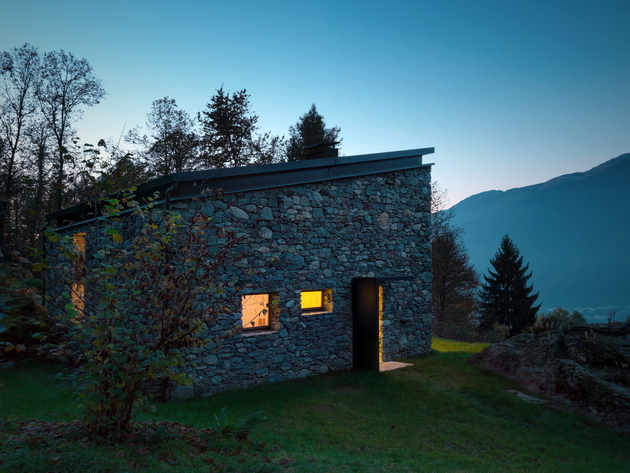stone-cabin-in-northern-italy-alfredo-vanotti-7.jpg