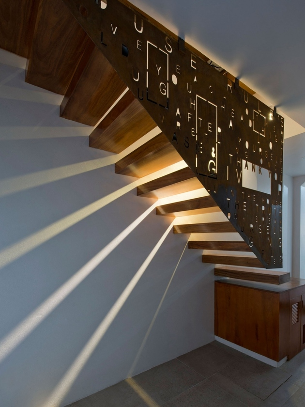 1 row house 4th floor tree amazing stairwell thumb autox840 65839 Four Storey Row House with an Amazing Stairwell