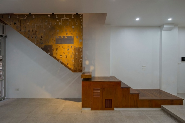 3-row-house-4th-floor-tree-amazing-stairwell.jpg