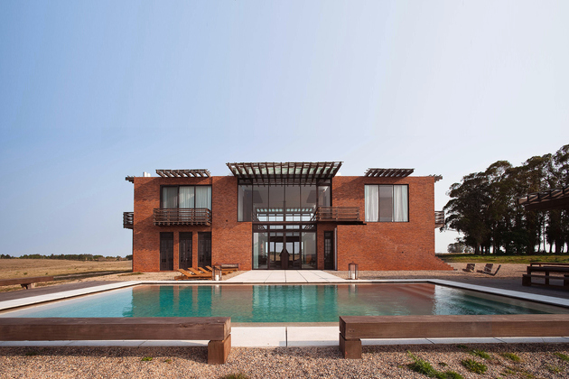 1 brick holiday house 2 cultures thumb 630xauto 66972 Brick Holiday House Incorporates 2 Cultures