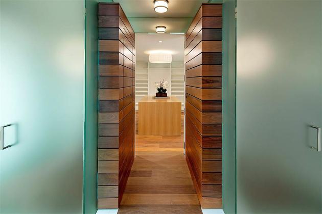 master-bath-to-closet.jpg