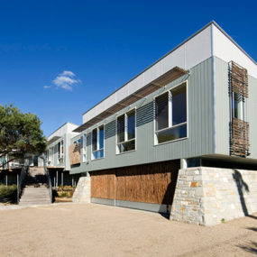 Australian Beachfront House – low maintenance and sustainable