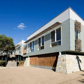 Australian Beachfront House – low maintenance and sustainable