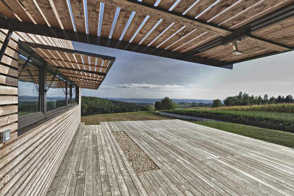 austrian summer home clad in wood 4