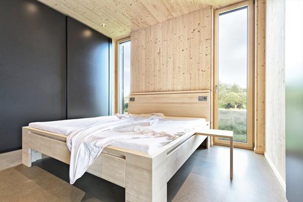 austrian summer home clad in wood 7