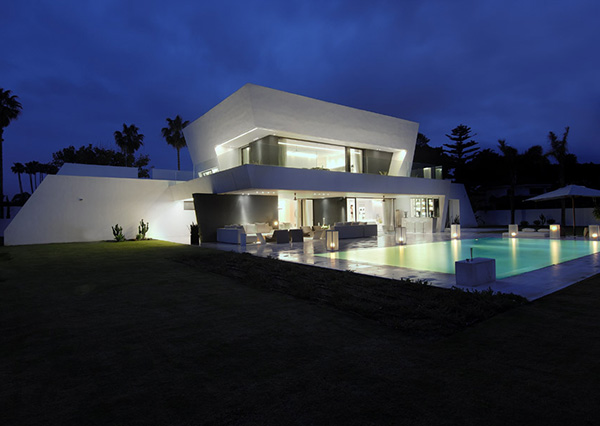 awesome-modern-house-mediterranean-coast-8.jpg