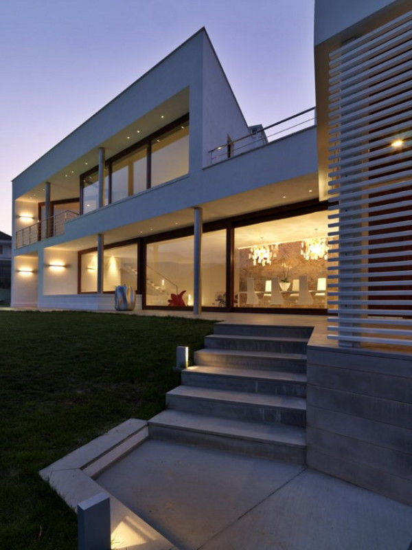 Modern Luxury Home in Cuneo, Italy by Architect Duilio Damilano