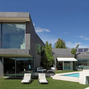 Barcelona House with Imposing Exterior and Sweet Central Courtyard