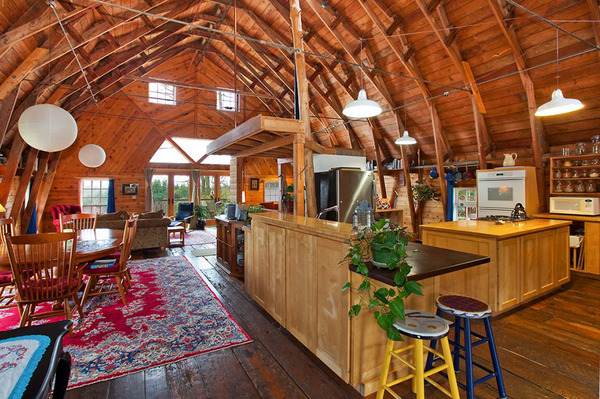 barn style house bainbridge 2 thumb Barn Style House for Sale – Unique Barn Conversion in Washington
