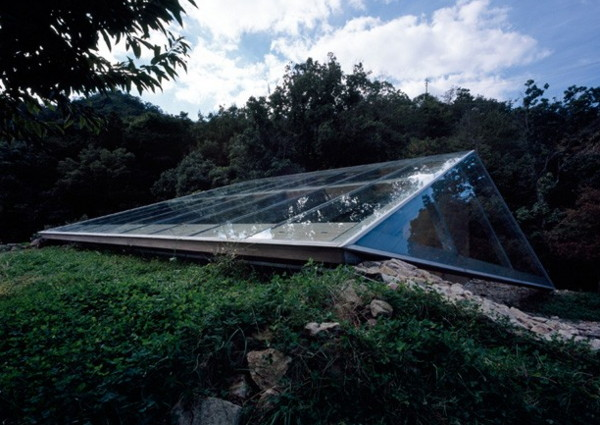 Glass Roof House To Love The Earth And You