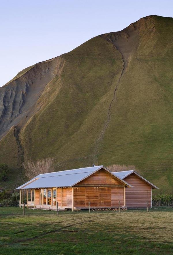 bay-house-design-wood-mountains-coastline-2.jpg
