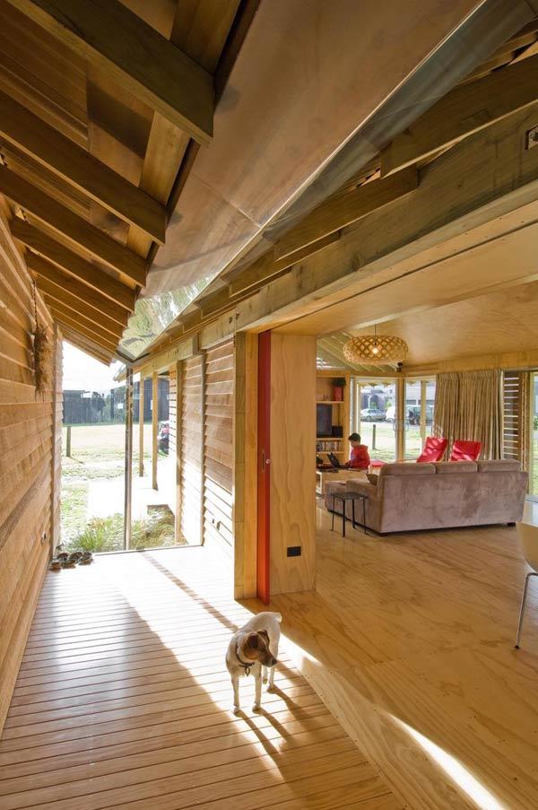 bay-house-design-wood-mountains-coastline-5.jpg