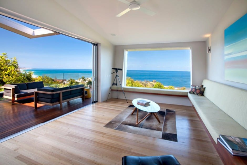 View In Gallery Beach House With Bold Exterior Minimalist Interiors 13.
