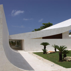 Caribbean House Design – Curved Roof Beachfront Home
