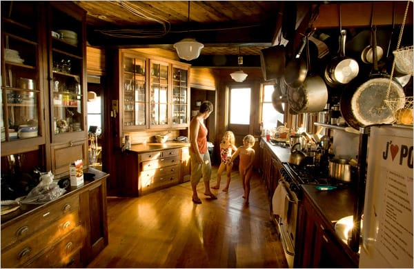 beautiful-bay-house-design-5.jpg