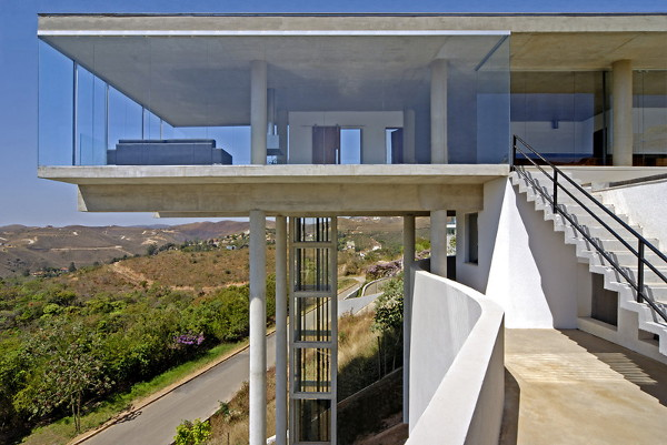 bf house 1 High End House in Brazil with infinity pool and elevator