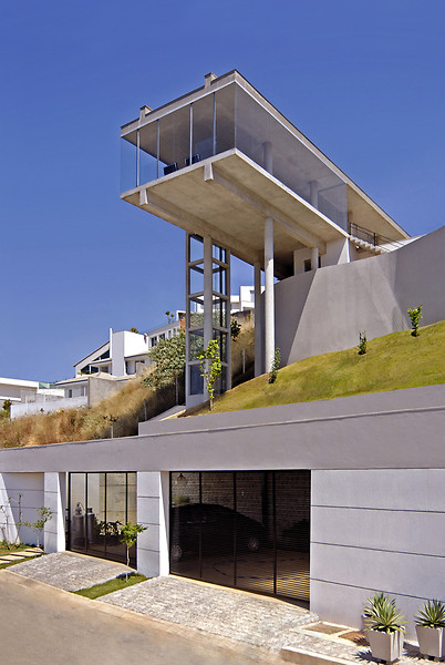 bf house 8 High End House in Brazil with infinity pool and elevator