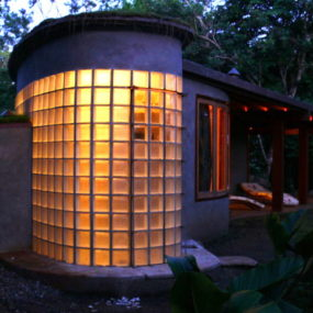 Sustainable Boomerang House Design comes to Costa Rica