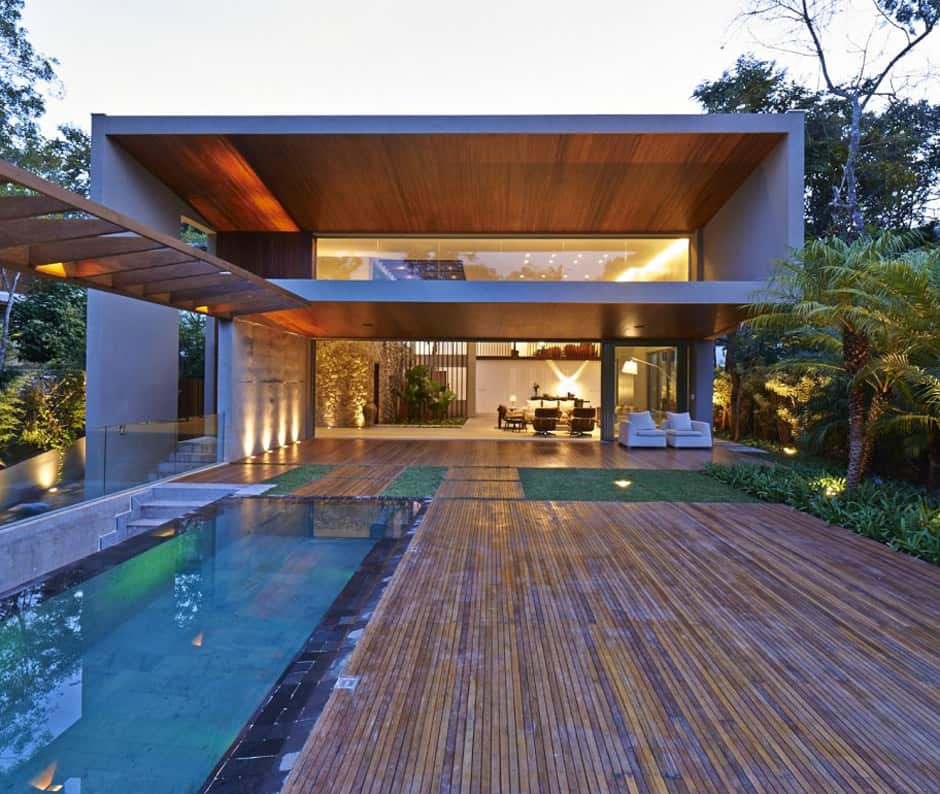Brazil house with luxe garden and outdoor living layout for Brazilian house music