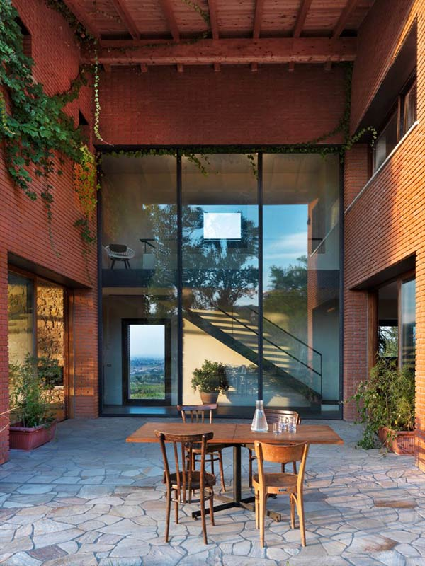 brick countryside home in italy with central courtyard 2 Brick Countryside Home in Italy with Central Courtyard for Entertaining