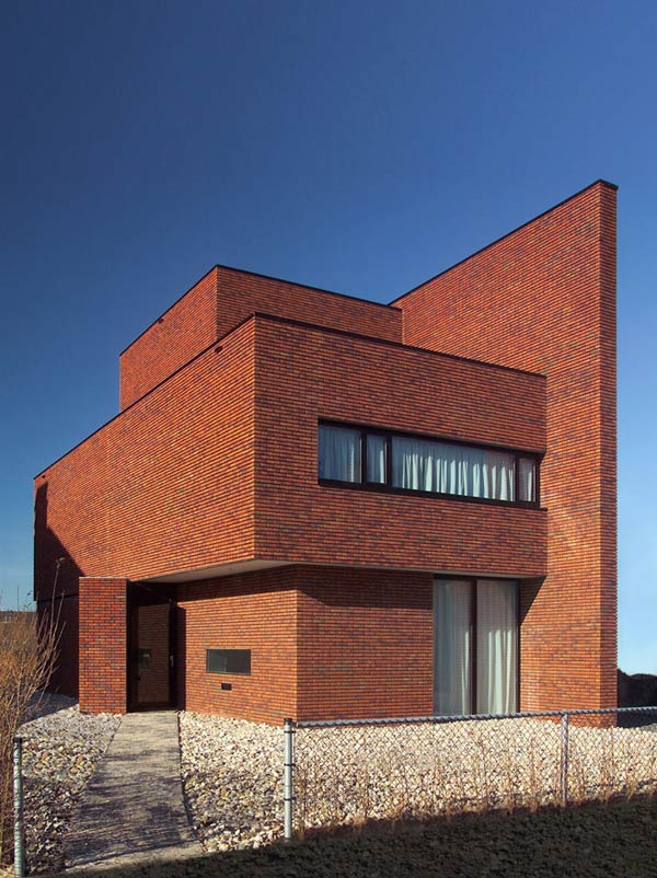 brick wall house minimalist style 2 Brick Wall House boasts minimalist style with maximum appeal