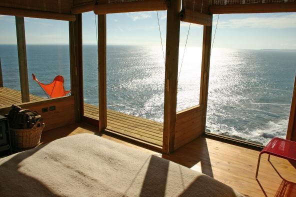 buchupureo-cliff-top-cabin-5.jpg
