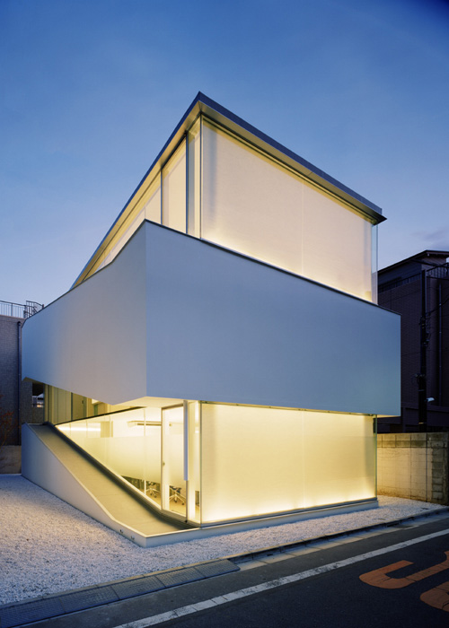 c 1 house 1 Minimal Home Design – modern minimalism to the max!