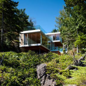 Cantilevered Contemporary Escape In The Canadian Wilderness