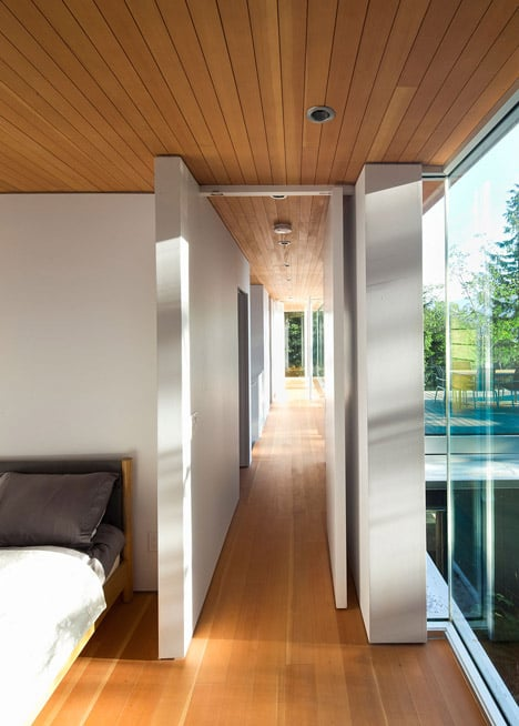 cantilevered-contemporary-escape-in-canadian-wilderness-10-hallway.jpg