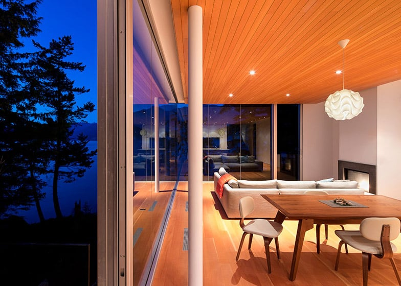 spectacular contemporary columns. View in gallery cantilevered contemporary  escape canadian wilderness 5 living Cantilevered Contemporary Escape In The Canadian Wilderness